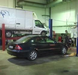 Autotöökoda - töö käib